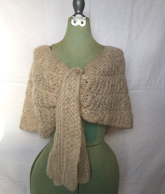 Vintage Ivory Mohair shrug, Cozy Cream Colored Shawl, Winter Shoulder Capelet