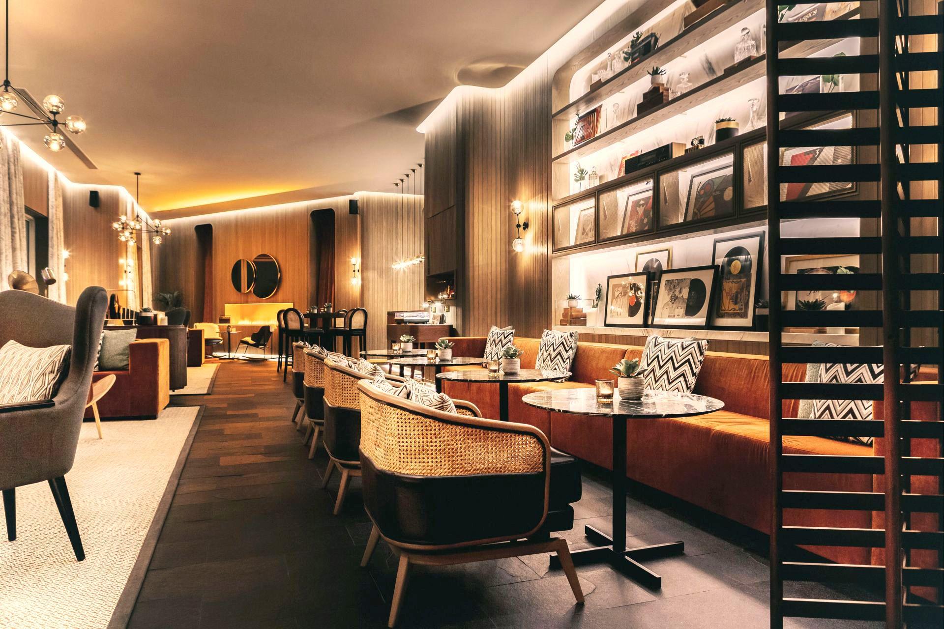 Bar Hospitality Designs Seventy Seventy Park Hyatt Dubai In 2020 Hospitality Design Design Commercial Interior Design