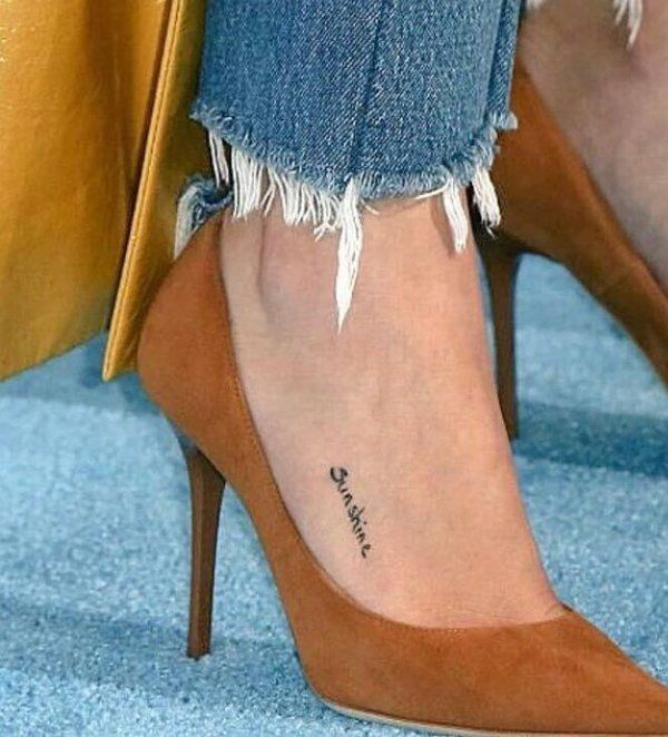 selena-gomez-sunshine-foot-tattoo
