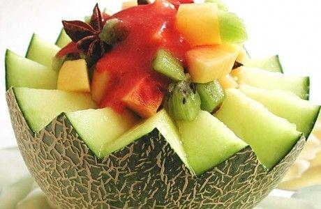 Salada de frutas com coulis de morango diet | Panelinha - Receitas que funcionam