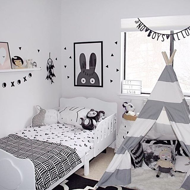 Black white kids room jo mami kid 39 s room pinterest kids rooms room and black Pinterest home decor black and white