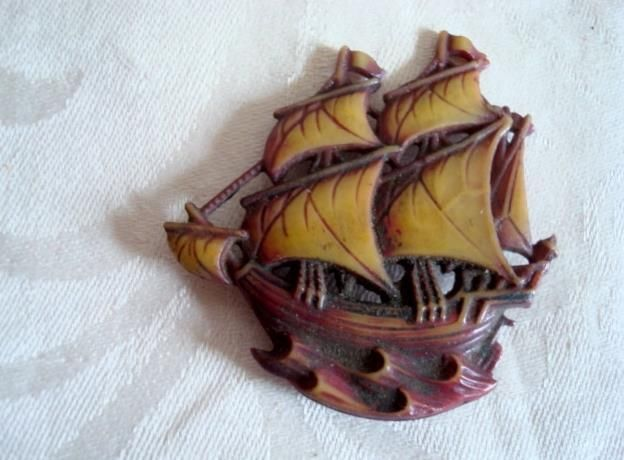 3b3dd151f Vintage Celluloid Sailing Ship ~ Boat Galleon Pin ~ Brooch ...