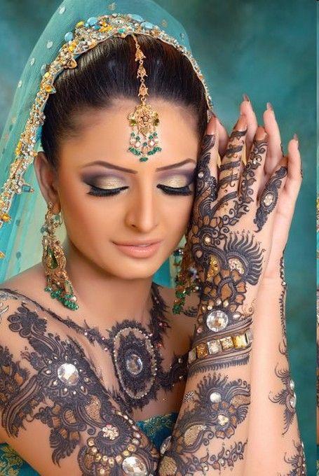 saree, sari, henna tattoos, India, Indian fashion, lovely