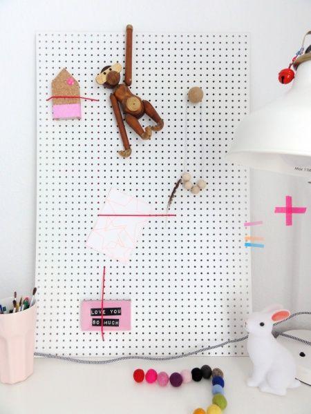 diy lochwand zum nachbasteln inspi 39 photo pinterest lochw nde pinnwand selber machen und. Black Bedroom Furniture Sets. Home Design Ideas