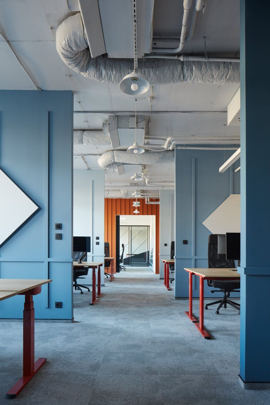Office Interior Design By Studio Perspektiv For It Company