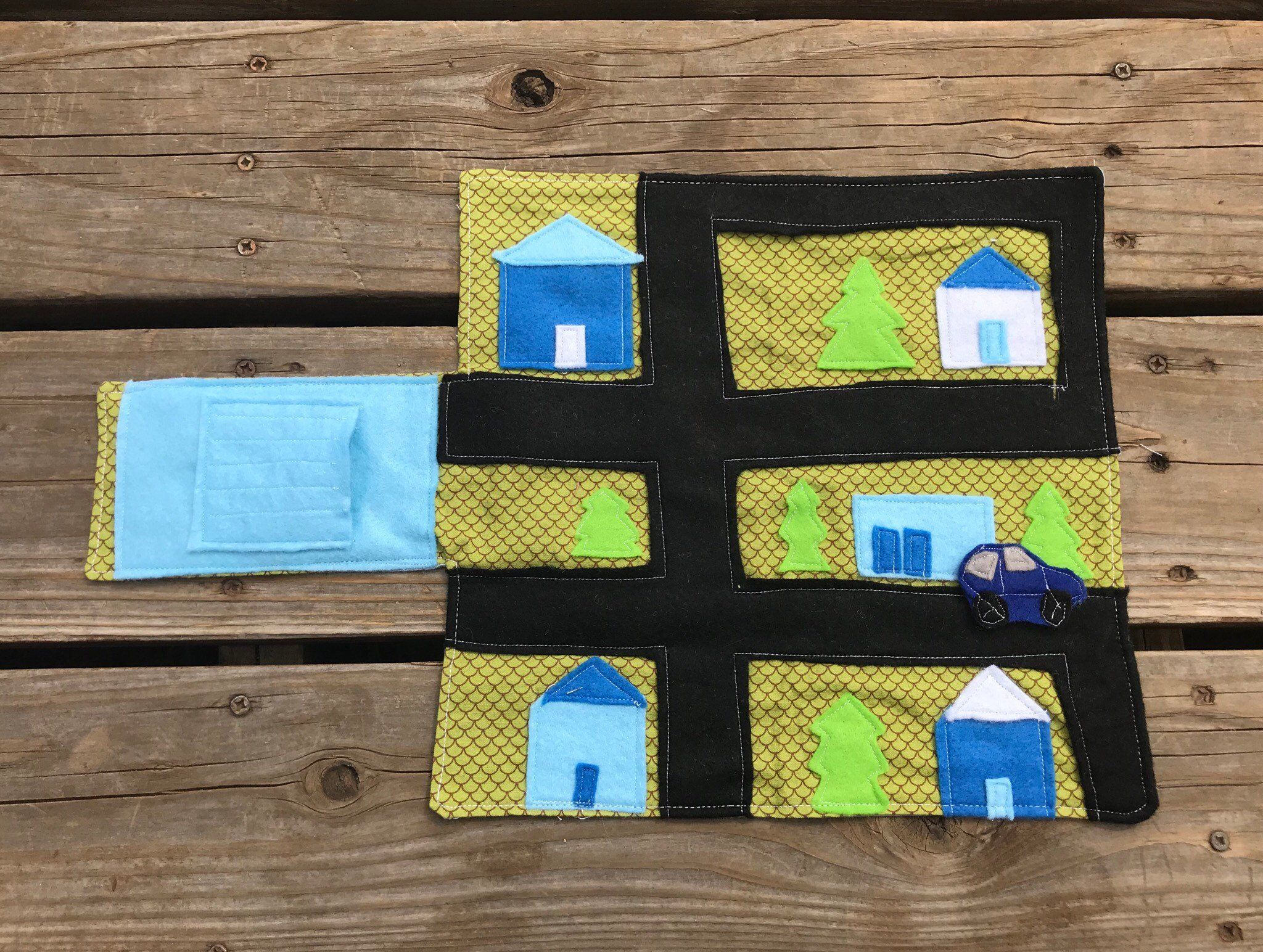 Travel Roadmap Folded Wallet Playset Blue and Green Town Map Car Play Mat