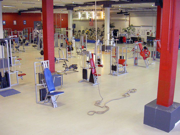 POWER HAUS - THE GYM Fitness - und professionelles Kraft-Training - design ideen tipps fitnessstudio hause