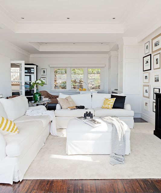 Living Room : Classics never go out of style. {Cool Chic Style Fashion}