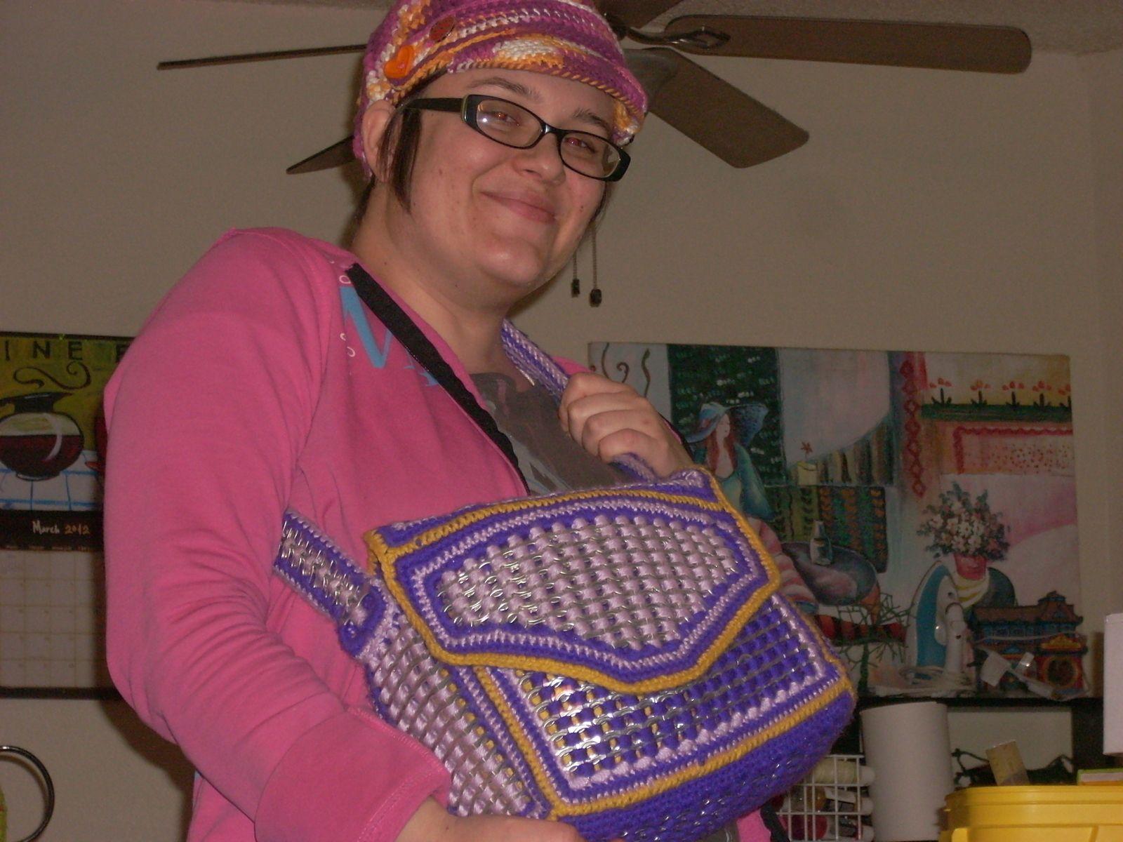 Soda pop tabs crafts - Crochet Soda Pop Tab Purse