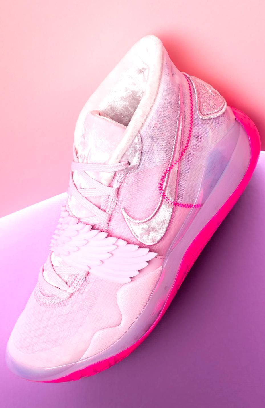 Pink nike shoes, Girls basketball shoes
