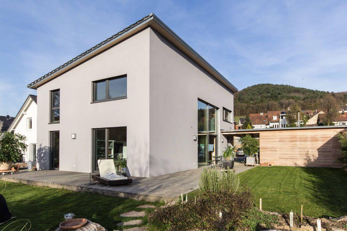 Fassadenfarbe einfamilienhaus for Moderne fassade einfamilienhaus