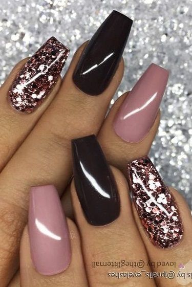 60 Elegant Rose Gold Nail Art Designs For 2020 In 2020 Rose Gold Nail Art Rose Gold Nails Design Rose Gold Nails