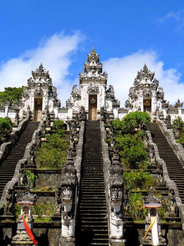 Pin Di Bali Pura Lempuyang