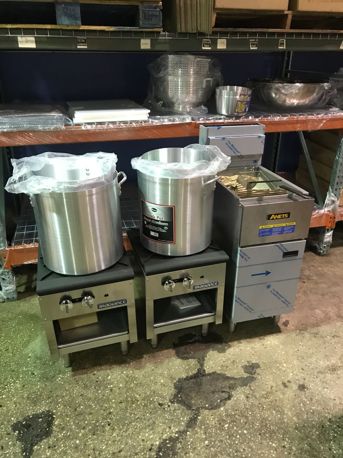Radiance Ranges Commercial Stock Pots And An Anets Fryer Https Www Culinarydepot Commercial Kitchen Restaurant Kitchen Design Commercial Kitchen Equipment