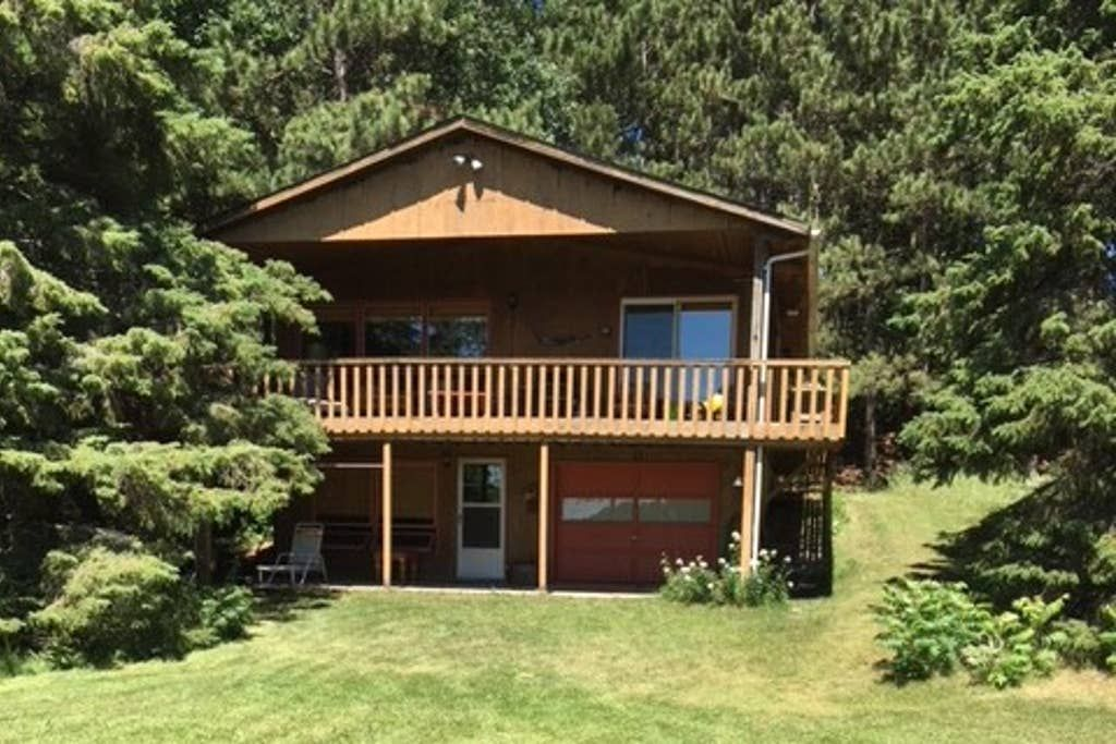 Spacious Lakefront Cabin Cabins For Rent In Pequot Lakes Minnesota United States In 2020 Pequot Lakes Cabin Family Summer Vacation