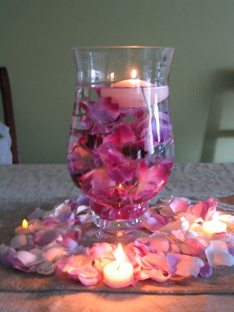 Diy Hurricane Vase Centerpiece I Love This The Vase Looks Pretty
