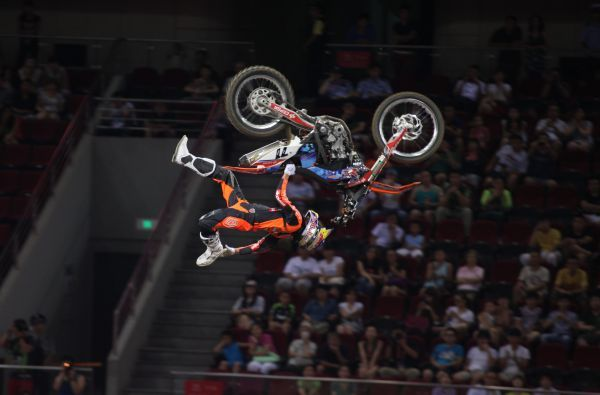Night of the Jumps Peking 2013: Nächster Sieg für Dany Torres