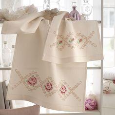 Tela disegnata per parure asciugamani - Bagno - Manidifata.it