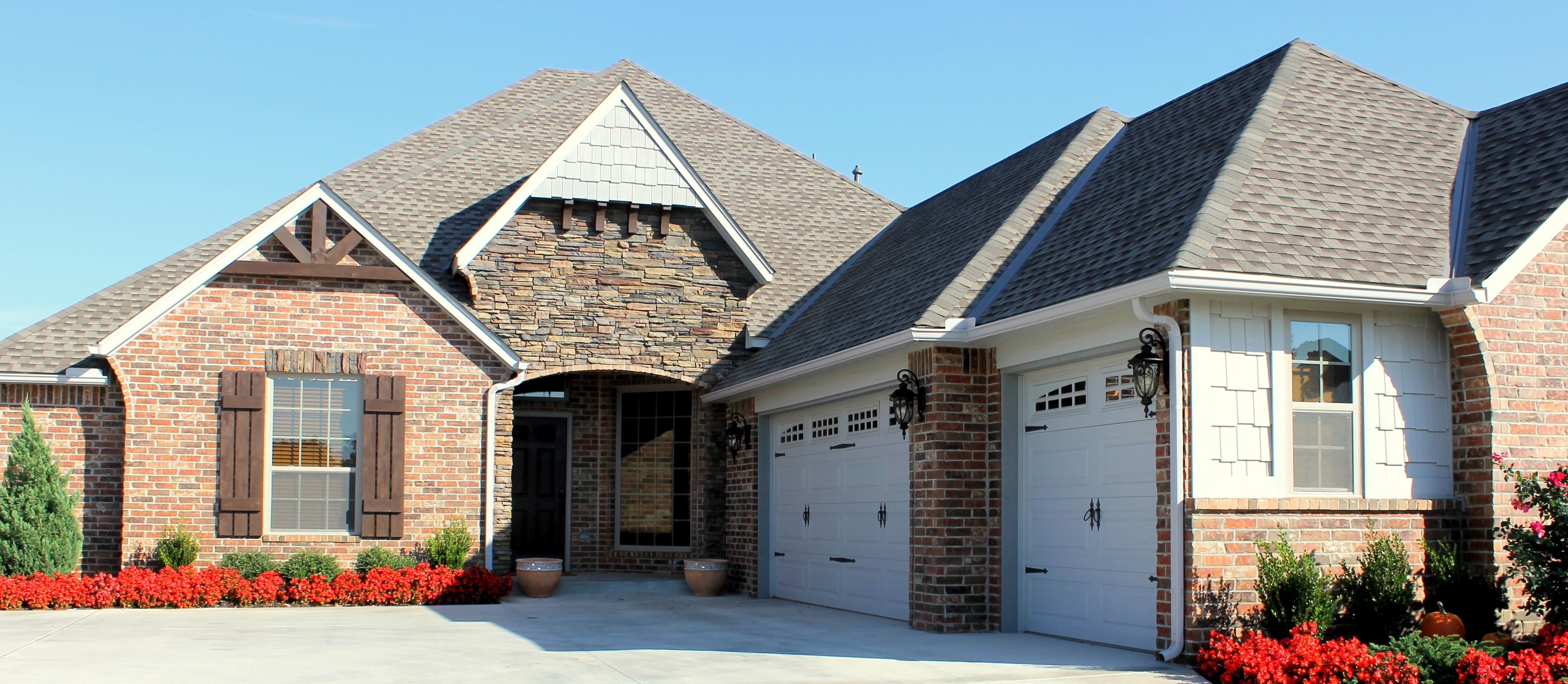 Garage Builders Okc Home Builders Brick Homes Traditional Home Design Curb