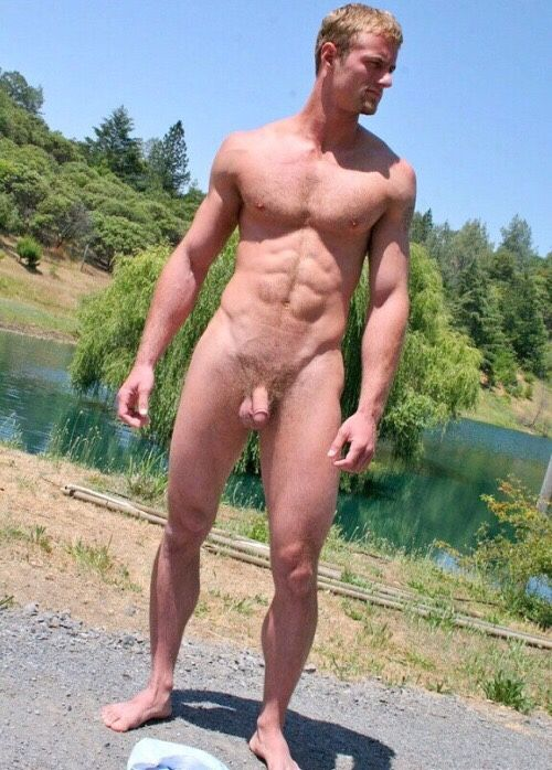 men-nude-male-public