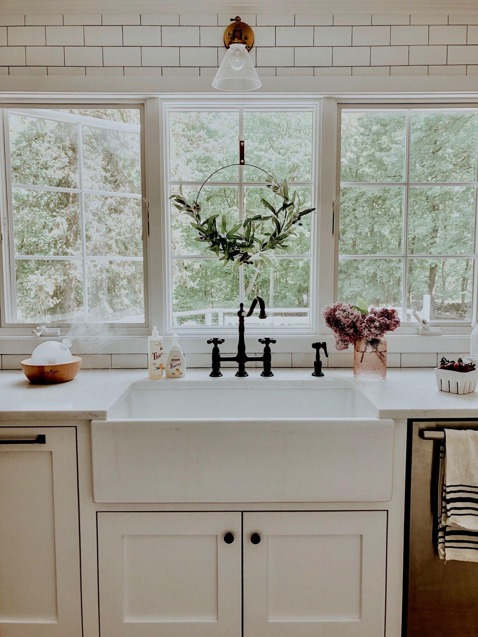 Modern farmhouse kitchen goals! ?: Pure Joy Home   Rustic ... on Farmhouse Kitchen Sink Ideas  id=34348