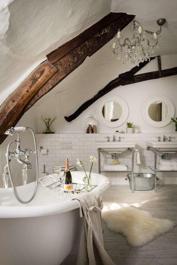Idee per arredare il bagno in stile country - Particolare bagno in ...