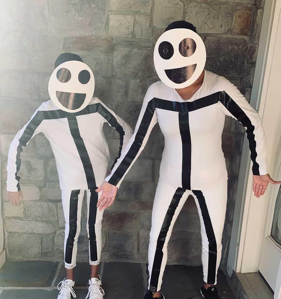 Costumi Halloween Idee.Carnevale Fai Da Te Idee Costumi The Bella Vita In 2020 Stick Figure Costume Cool Halloween Costumes Family Halloween Costumes