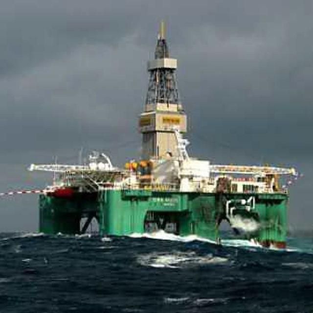 Offshore oil rig | Fossil Fuel Fanatics | Oil rig jobs, Oil, gas