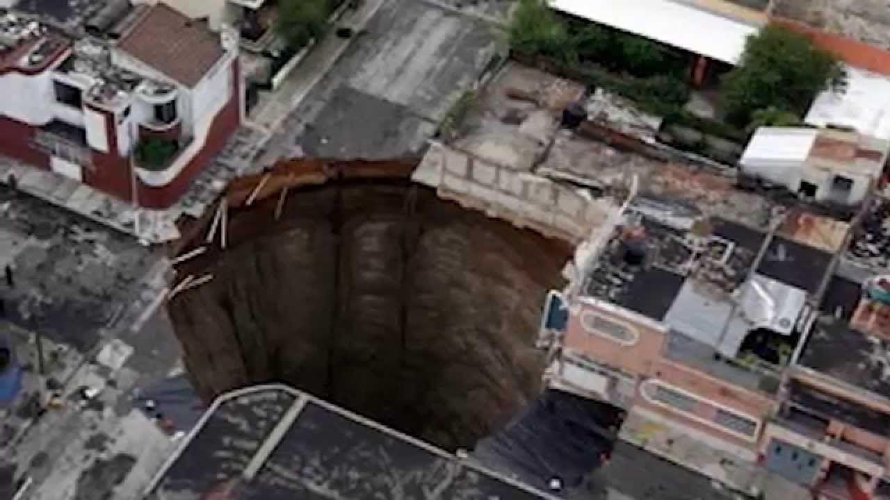 10 Bizarre Holes on Earth