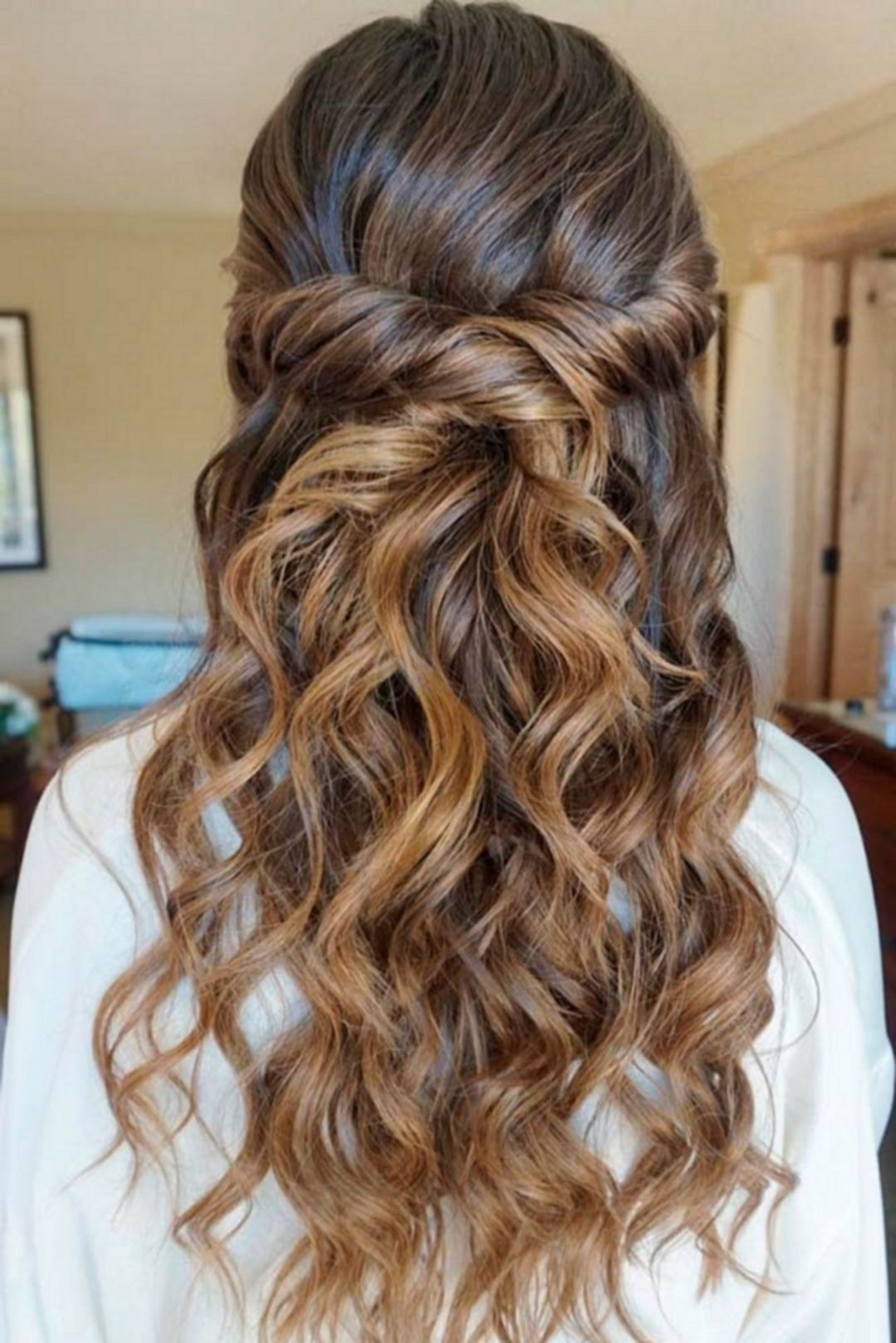 beautiful semiformal women hairstyle ideas for party woman