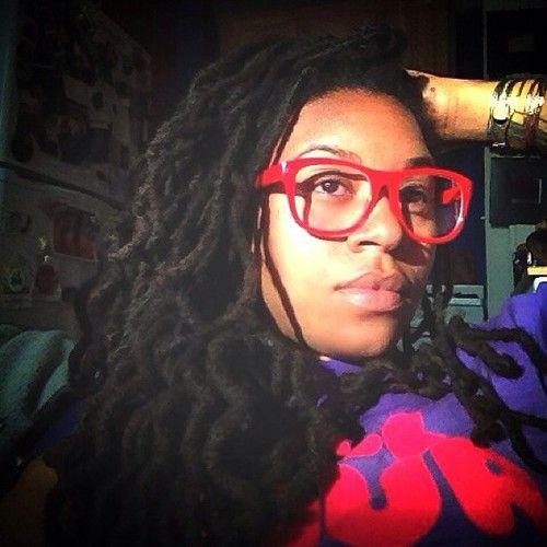 red glasses. #corren