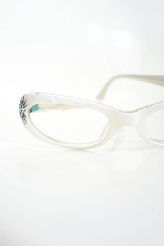9cde4af04544 Vintage 1950s Rhinestone Cat Eye Glasses White Pearl Pearlescent Shiny AB  Rhine Stone Glittery Glam Hollywood 50s Fifties Pin Up Sexy Cateye
