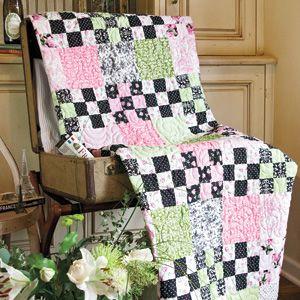Nine-Patch Parfait: FREE Queen Size Floral Bed Quilt Pattern ... : queen size quilt patterns free - Adamdwight.com