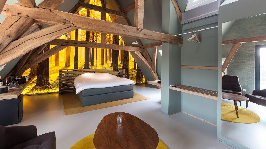Edles Loft unter altem Sichtdachstuhl #design #loft deco