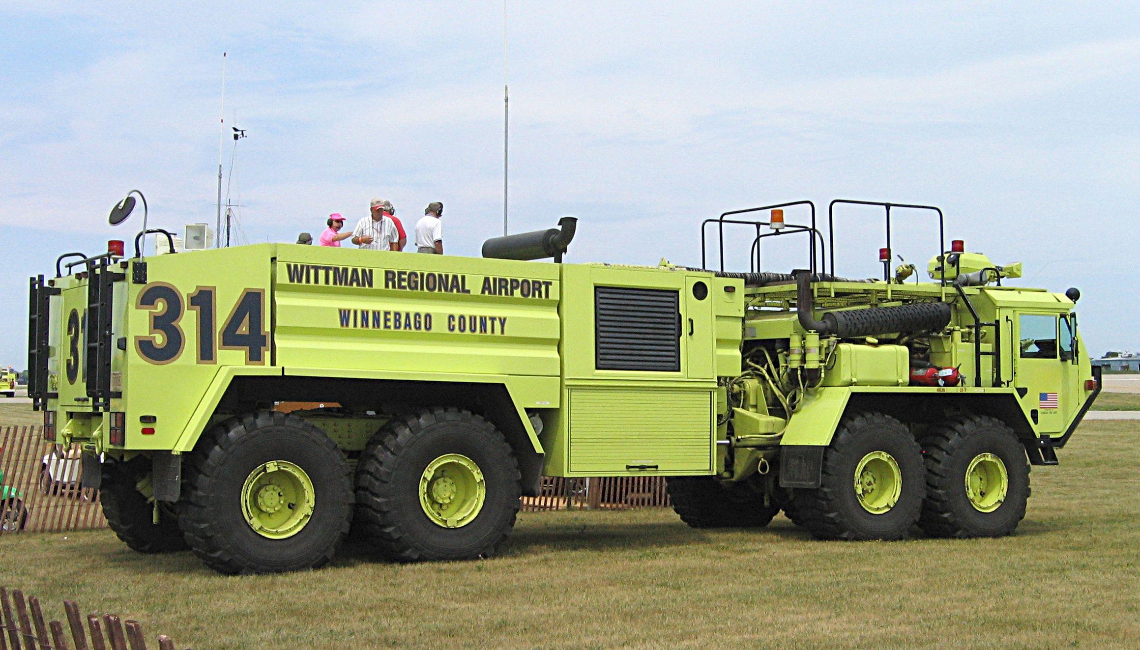 Wittman_Regional_Airport_fire_truck_AV2005.jpeg Fire