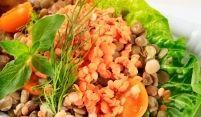Linsensalat mit Pilzen und Spinat
