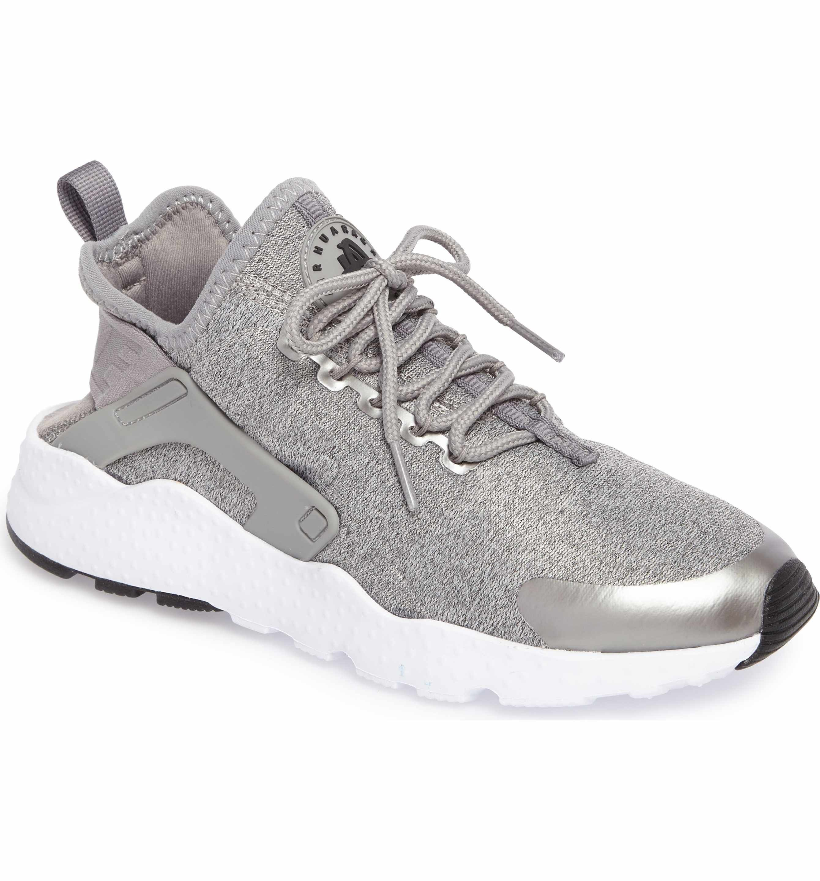 d2dda4186028 Main Image - Nike  Air Huarache Run Ultra SE  Sneaker (Women)
