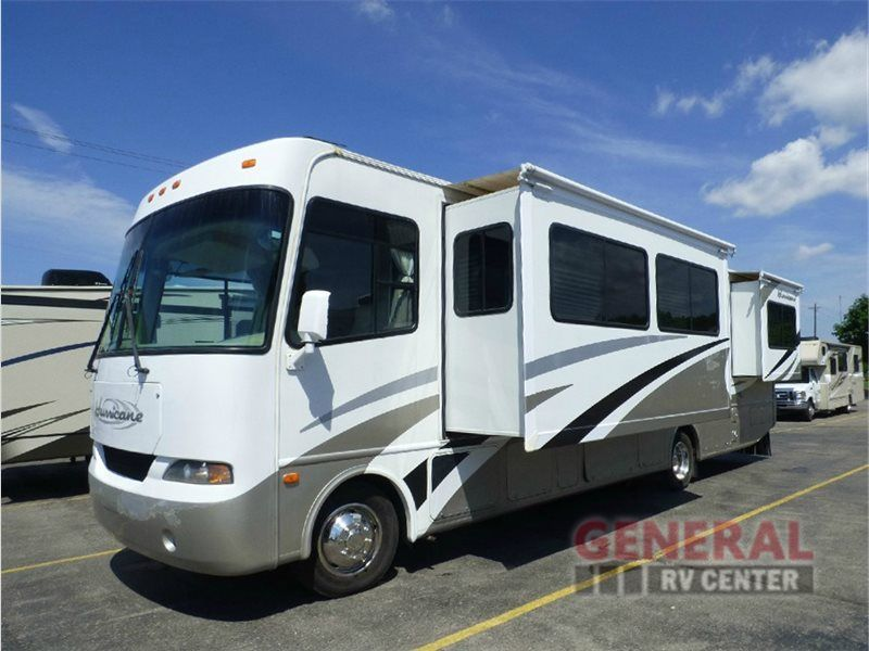 Beautiful Decor And Spacious Used 2005 Four Winds Rv Hurricane 34n