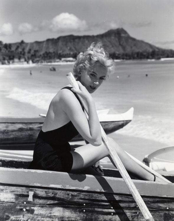 """Deborah Kerr in """"From Here To Eternity"""" The most famous beach scene in the movies turns 60"""