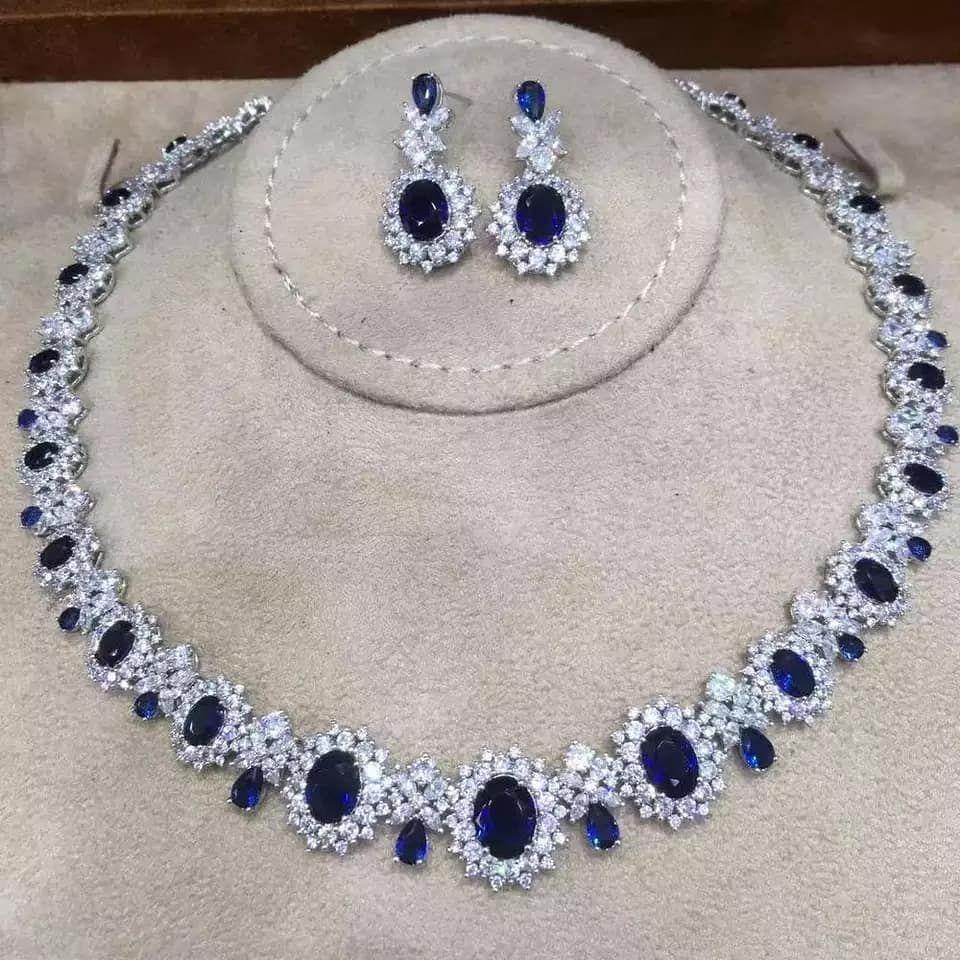 Pin By Hamida Guliyeva On Shuby In 2020 Wedding Jewelry Accessories Earrings Jewelry
