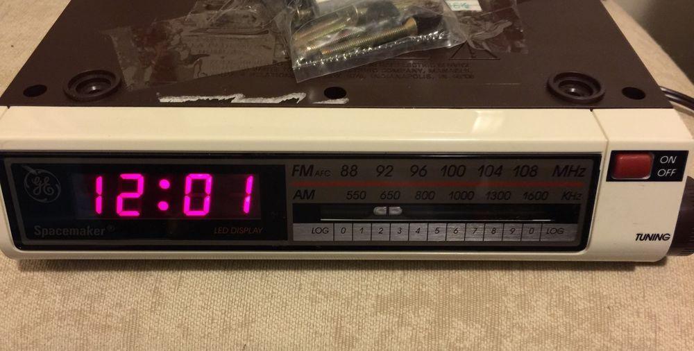 Vintage Ge General Electric Spacemaker Clock Am Fm Radio Under