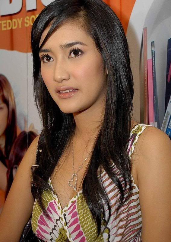 Zora Vidyanata Hot Penelusuran Google Hot Actresses Female Actresses Showgirls