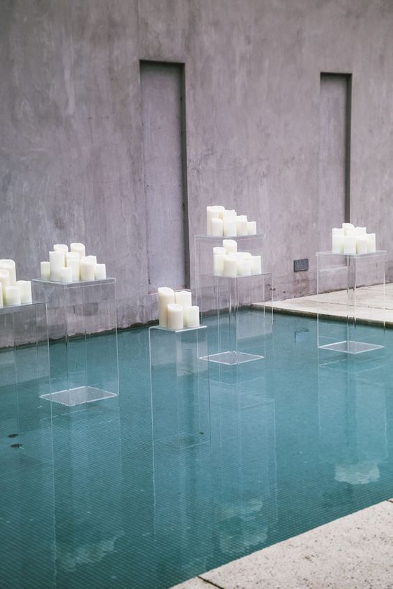 41 Edgy Modern Wedding Ideas Youll Love Acrylic Pillars With Pillar Candles For