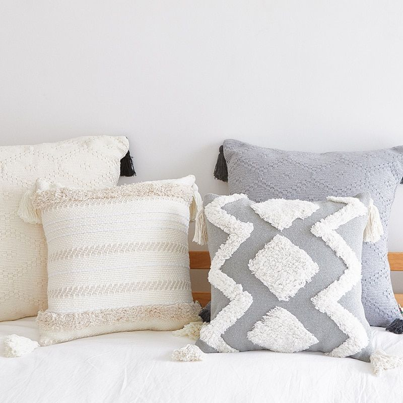 Boho style handemade tufted Square Cushion Cover with tassel