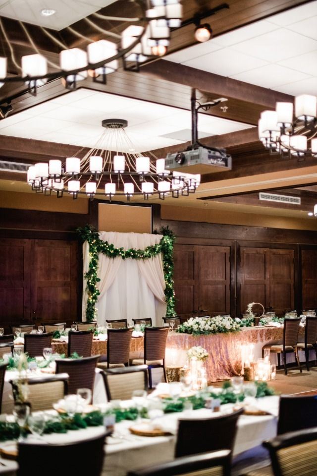 Cozy Up To This Gorgeous Winter Wonderland Wedding In ...