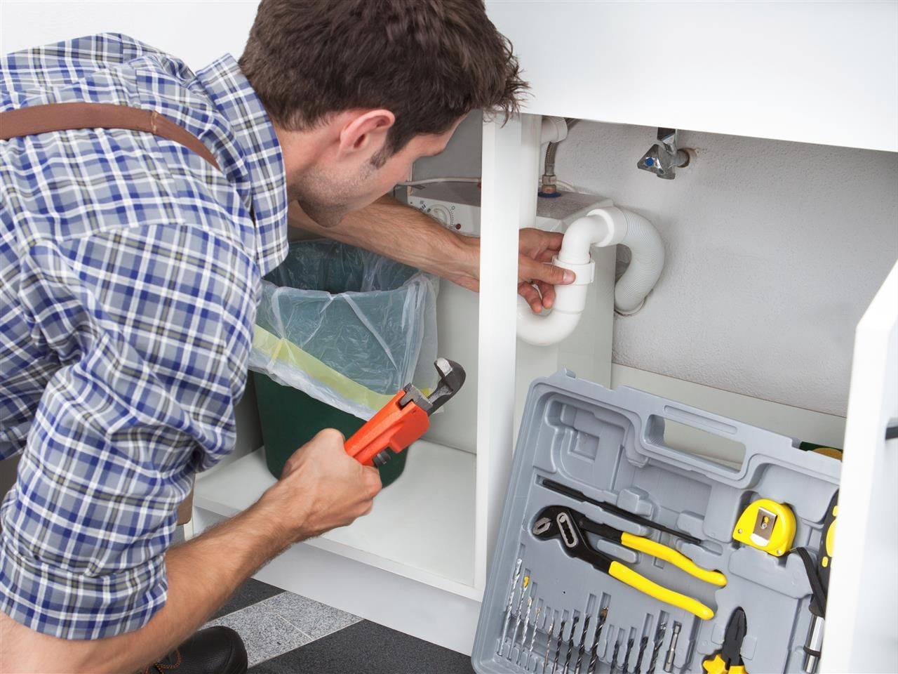 5 plumbing repairs your home needs with images