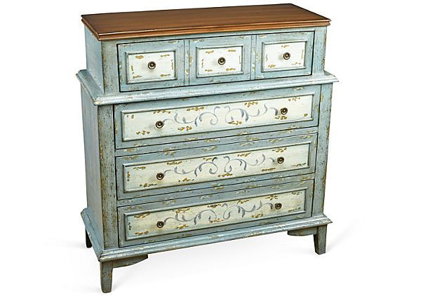 A Pretty Little Dresser