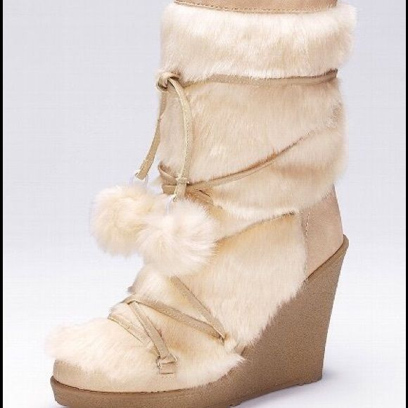 eef6f56d2eeb6b Colin Stuart Faux Fur Wedge Pom Pom Boots ❄ ❄️Colin Stuart (Victoria s  Secret) Faux Fur Wedge Pom Pom Boots❄ Size 8❄ Color is