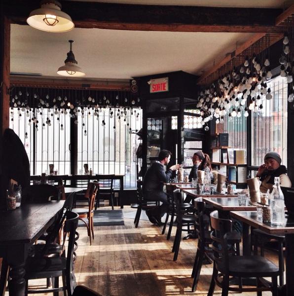 Les Plus Beaux Cafes De Montreal Tastet Montreal Beautiful Places Urban Spaces