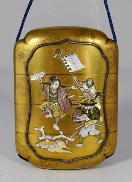 OnlineGalleries.com - JAPANESE GOLD LACQUER INRO BY THE SHIBAYAMA FAMILY